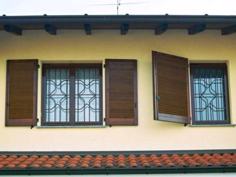 Finestre grate di sicurezza modello rubino piesseti serramenti - Modelli di finestre ...