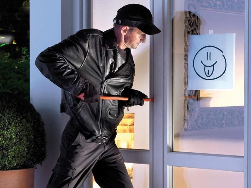 Finestre di sicurezza finstral protect plus blindate for Costo serramenti pvc