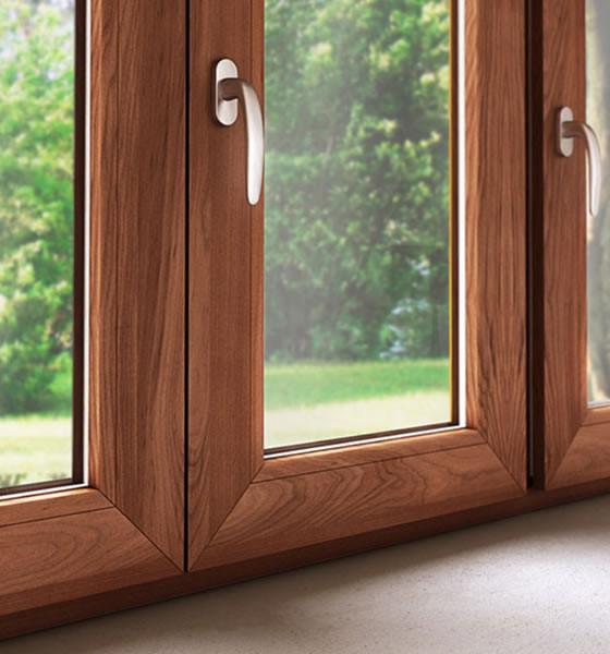 Finstral serramenti in pvc alluminio alluminio legno for Scuri in pvc prezzi